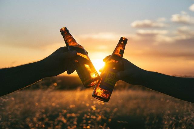 přípitek pivem