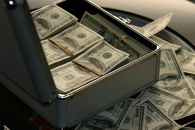 kufr na peníze.jpg