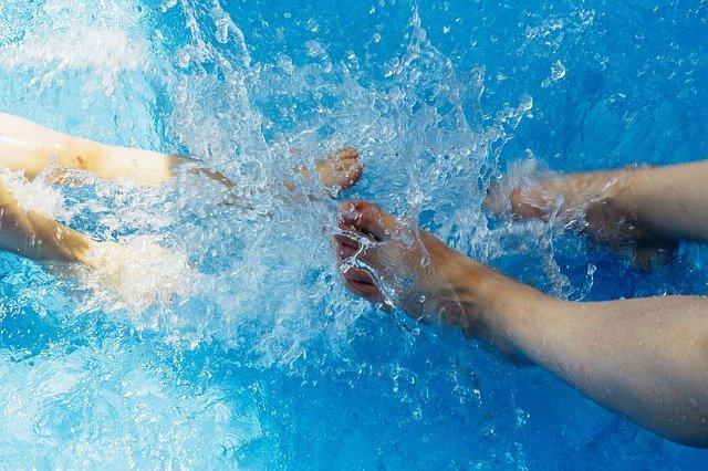 kopání ve vodě